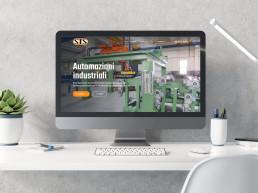 Monitor di computer con home: macchina sollevamento